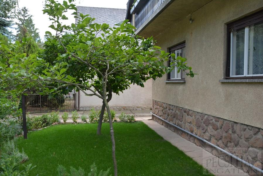 kiadó lakás albérlet pécs ingatlan, kertes albérlet autóbeállóval, alacsony rezsi